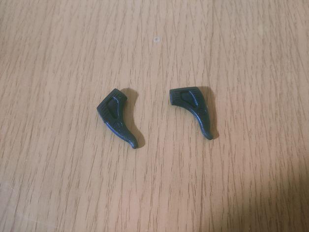 耳に固定するイヤーピース1