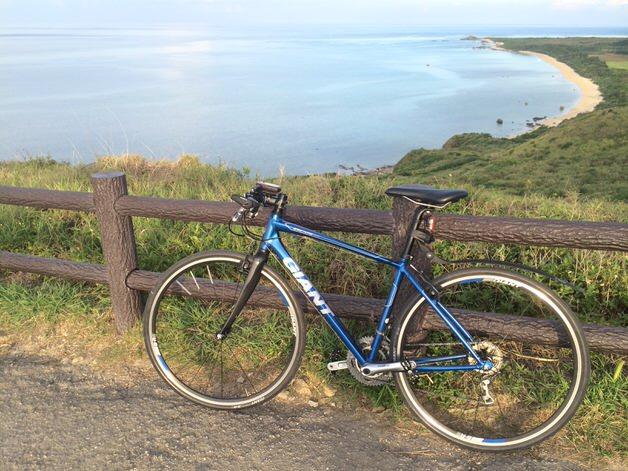 海沿いのクロスバイク