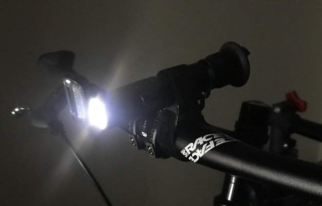 光を放つライト