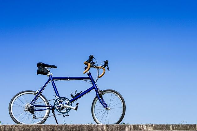 ミニベロと青い空