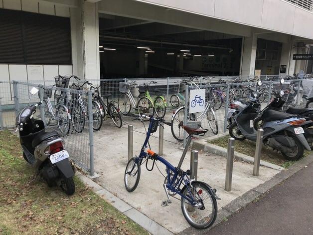 ブロンプトンと成田空港の駐輪場