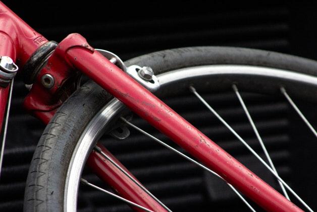 古めの自転車タイヤ