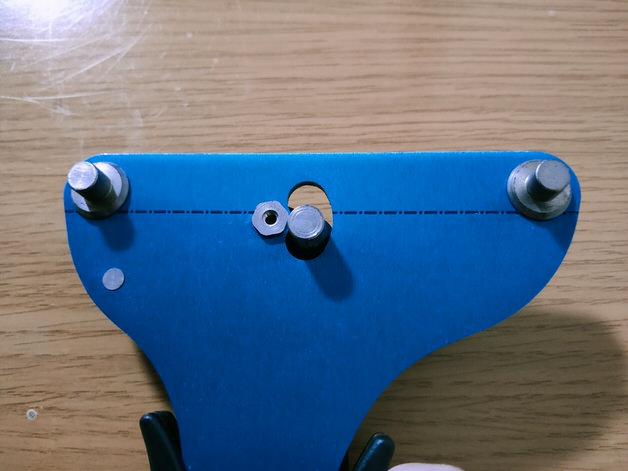 TM-1のスポーク挟み込む部分