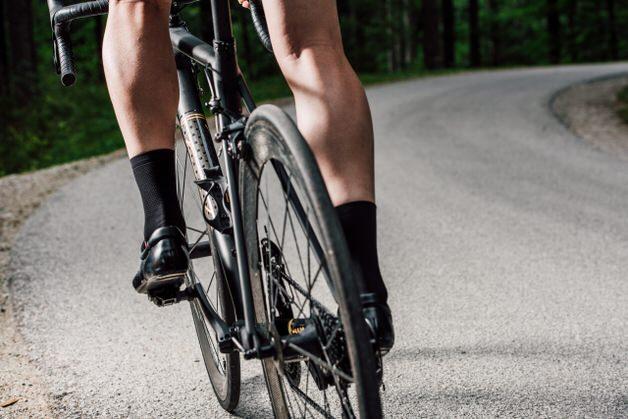 自転車乗りの鍛えられた脚