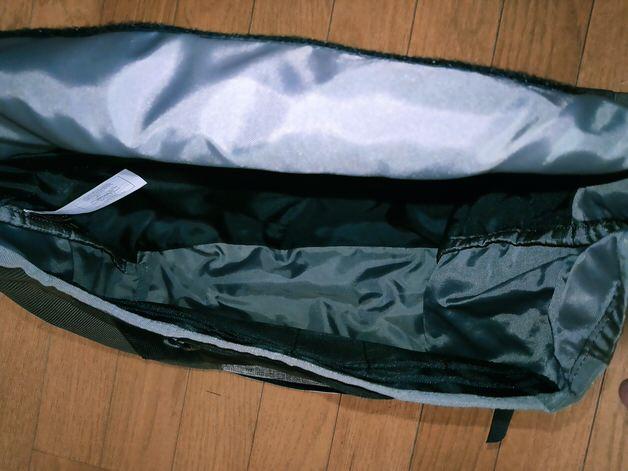 バッグ内の大きな空間